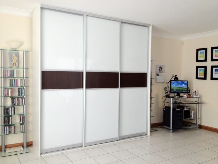 Frosted Glass and Wood Effect