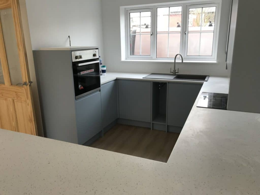 All that worktop space is superb for a family. More than one person can help cook in here no problem.